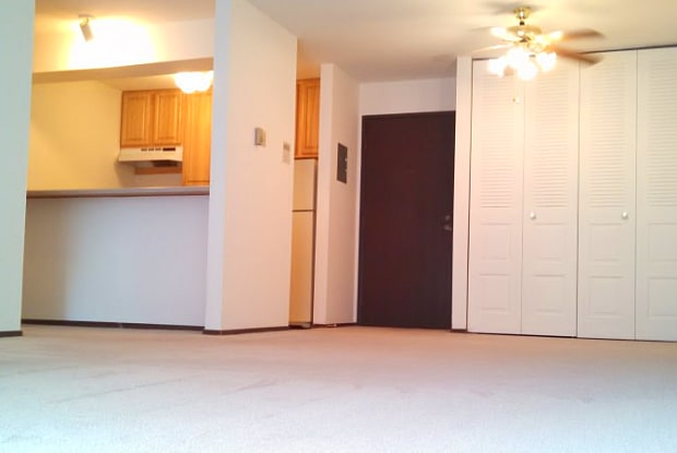 Briarwood Apartments - 1826 Fordem Ave, Madison, WI 53704