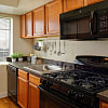 Foxchase Apartments - 766 North Howard St, Alexandria, VA 22304