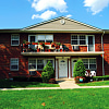 Cambridge Village / Yorkshire Village - 81 Bowling Ln, Levittown, NY 11756