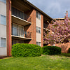 Willow Run Apartments - 935 North Van Dorn Street, Alexandria, VA 22304