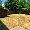 460 BRENTWOOD ST - 460 Northwest Brentwood Avenue, Dallas, OR 97338