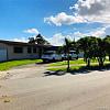 10520 SW 41st Ter - 10520 Southwest 41st Terrace, Westwood Lakes, FL 33165