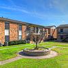 St Cloud - 6525 Hillcroft St, Houston, TX 77081