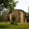 Fairmont Park Apartments - 22540 Fairmont Dr, Farmington Hills, MI 48335