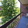 Embassy Park Apartments - 9045 Burt St, Omaha, NE 68114