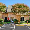 Le Montreaux Apartments - 3605 Steck Ave, Austin, TX 78759