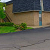 Tall Oaks - 2300 Fitzroy Pl S, Columbus, OH 43224