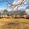 812 SAINT STEPHENS GREEN - 812 Saint Stephens Green, Oak Brook, IL 60523
