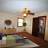 Kings Manor - 4309 Rhode Island Ave N, New Hope, MN 55428