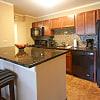 Woodbury Place - 1010 N Knollwood Dr, Schaumburg, IL 60194