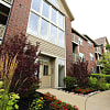 The Lakes of Schaumburg Apartments - 801 Belinder Ln, Schaumburg, IL 60173