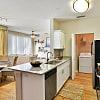 Lake House Apartments - 200 Village Blvd, Davenport, FL 33896