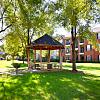 Oxmoor Apartment Homes - 7400 Steeplecrest Cir, Louisville, KY 40222