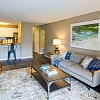 Vicino on the Lake - 1003 Mariners Point Ct, Creve Coeur, MO 63141