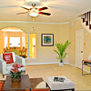 Miramar Townhomes - 2380 Bering Dr, Houston, TX 77057