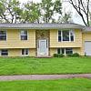 2516 Towne House Dr NE - 2516 Towne House Drive Northeast, Cedar Rapids, IA 52402