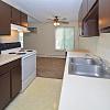Eagle Pointe - 2044 Oakdale Ave, West St. Paul, MN 55118