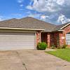 408 South Castle Ridge Lane - 408 S Castle Ridge Ln, Mustang, OK 73064
