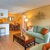 Swan Lake - 3303 N Lakeview Dr, Tampa, FL 33618