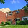 Merrick Place - 3260 Commodore Dr, Lexington, KY 40502