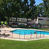 Colony Village - 3301 Brunswick Ave, New Bern, NC 28562