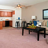 Hillsborough Apartments of Roseville - 2345 Woodbridge St, Roseville, MN 55113