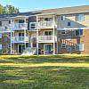 Oaktree Apartments - 30 Wenark Dr, Newark, DE 19713