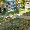 Campus East Apartments - 1422 McCain Ln, Manhattan, KS 66502