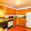 Granada Gardens - 4340 Clarkwood Pkwy, Warrensville Heights, OH 44128
