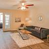 Abbington Place - 1521 Bridford Pkwy, Greensboro, NC 27407