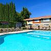 Esplanade Townhouses - 6058 Riverside Blvd, Sacramento, CA 95831
