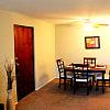 Berea Lakes Apartments - 144 Coe St, Berea, OH 44017