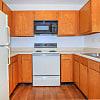 Whispering Oaks Jax - 1985 Campbell St, Jackson, TN 38305