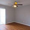 Live Oak - 851 Threadneedle St, Houston, TX 77079