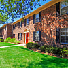 Williamsburg Apartments of Toledo - 5569 Ryewyck Ct, Toledo, OH 43614