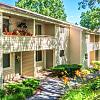 Williamsburg Estates - 500 Beacon Dr, Colonial Park, PA 17109