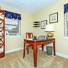 Trilogy Apartments - 8650 Kingsbridge Ln, University City, MO 63132