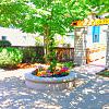 Ivy Ridge - 4730 21st Ave NE, Seattle, WA 98105