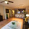 San Antigua - 15300 Cutten Rd, Houston, TX 77070