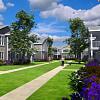 Springs at Knapp's Crossing - 2550 E Beltline Ave NE, Grand Rapids, MI 49525