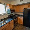 Maplewood Villas - 325 N Summit Ave, Gaithersburg, MD 20877