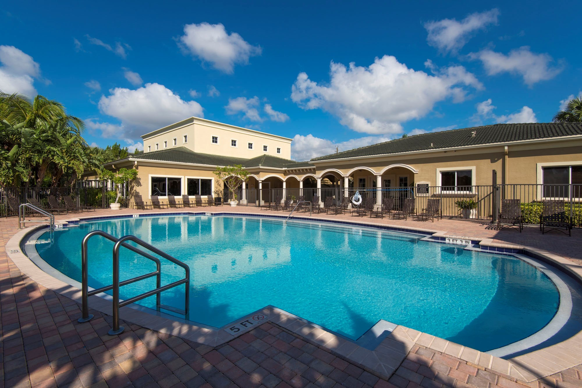 Palm Trace Landings - Live in one of the coziest apartments in Davie, FL and surround yourself with beautiful landscaping, charming homes, and thoughtful amenities