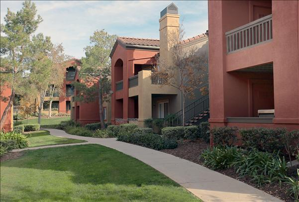 Deerwood - Seize your chance to live in one of the premier apartment communities in Corona, CA
