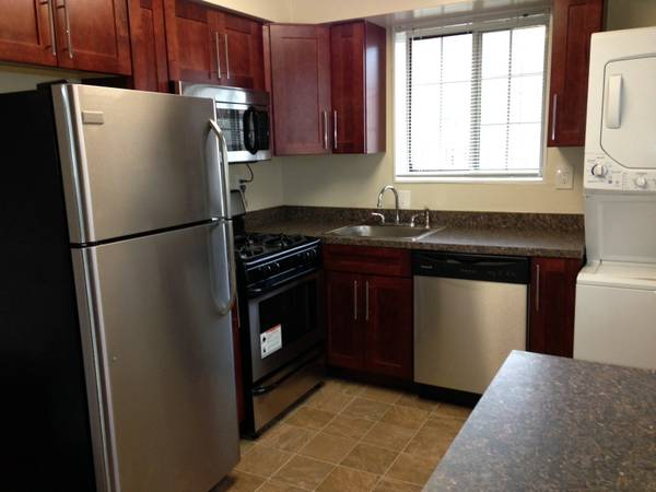 Brookville Townhomes - At Brookville Townhomes, your satisfaction is important to us