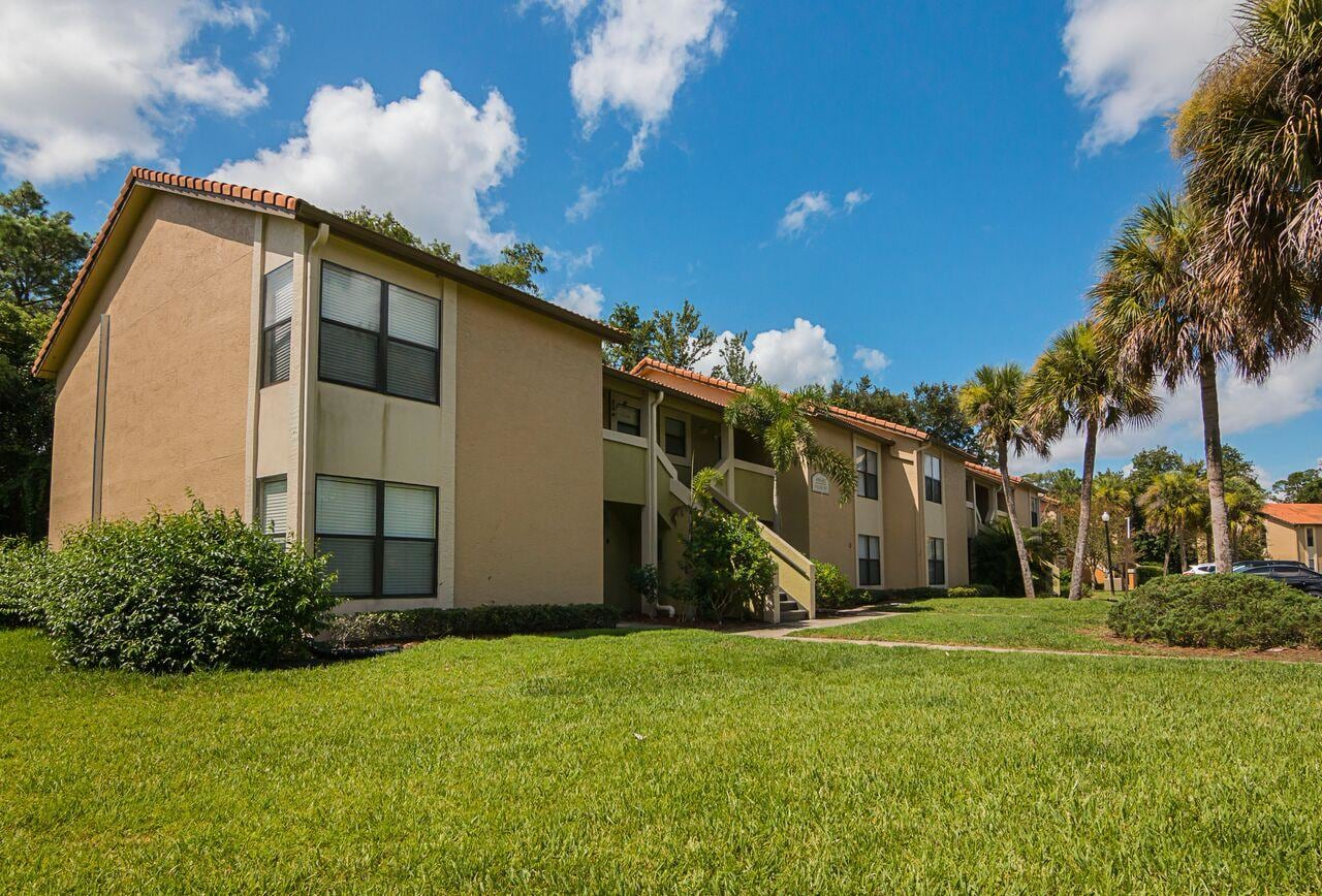 Fisherman's Village - Your friends will envy you! Experience Orlando, Florida's finest apartment community: Fisherman's Village