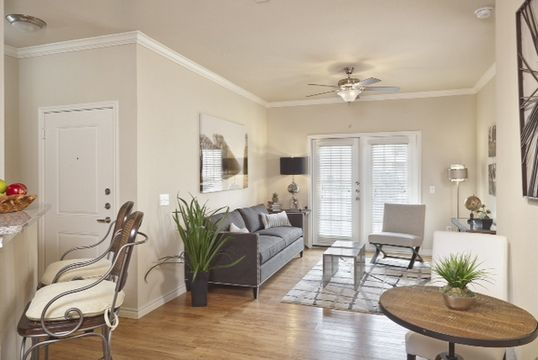 West Oaks - Become part of the luxurious, comfortable, and convenient apartment community of West Oaks in beautiful San Antonio, Texas
