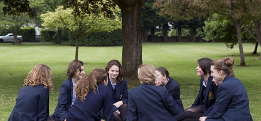 Comment la vie dans un college britannique a changé la vie d'une jeune-fille !