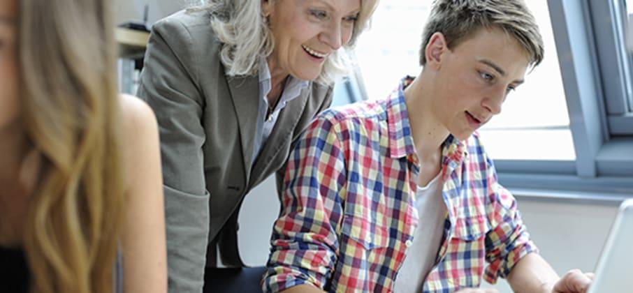 La maman d'Aurélien nous explique pourquoi elle a opté pour une formule two to one pour le premier séjour linguistique de son fils avec La Route des Langues.