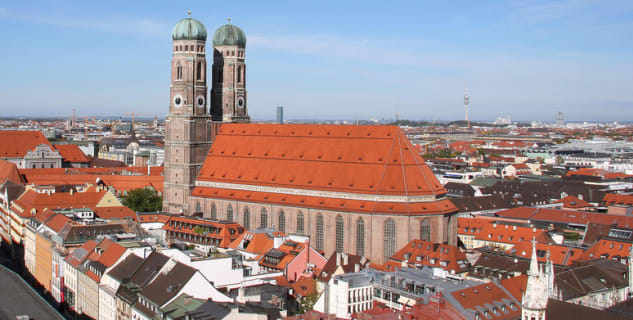 Výhled na katedrálu Frauenkirche - http://www.flickr.com/photos/13531471@N02/2188999847/