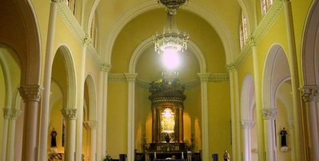 Bazilika sv. Ignáce z Loyoly - http://commons.wikimedia.org/wiki/File:Pamplona_-_Iglesia_de_San_Ignacio_(PP_Redentoristas)_10.jpg